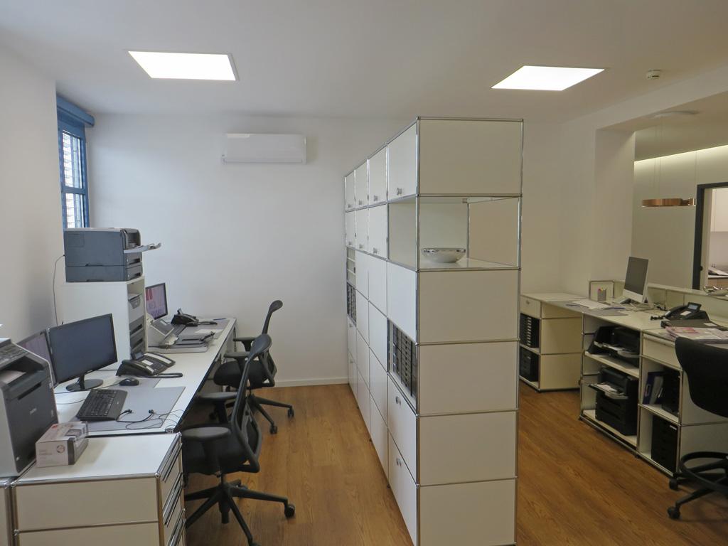 Empfang/Büro Arztpraxis mit LEDAXO LED-Panels PAE-06-30-620x620 UGR