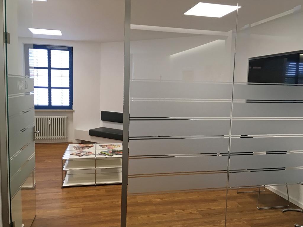 Wartebereich mit LEDAXO LED-Panels PAE-06-30-620x620 UGR