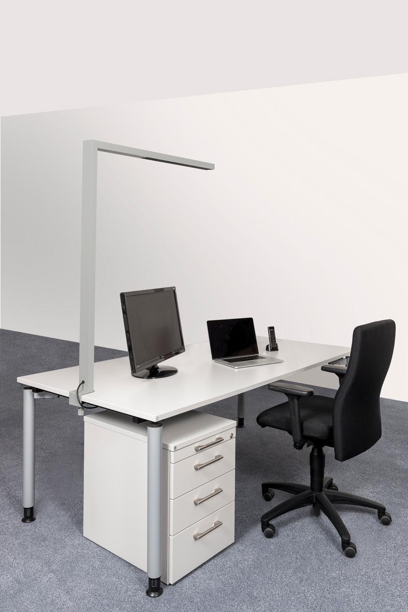 LEDAXO LED-Arbeitsplatzleuchte AL-06 Anwendungsbeispiel