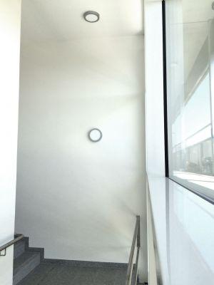 Treppenhaus mit LEDAXO LED-Wand-Deckenleuchte WDL-09-18-240
